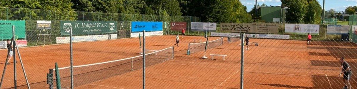 2. Hollfelder Hobbyturnier - Frank Löwlein und Theresa Roß konnten Siegerpokal in Empfang nehmen